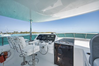 Limitless 33 2010 Hargrave 101 Motor Yacht - Limitless - Flybridge Helm