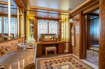 VIBRANCE 11 Master Stateroom Bath