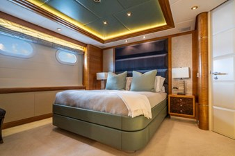 VIBRANCE 18 Queen Guest Stateroom