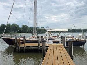 BLUE STAR 18 At Dock, Port Profile