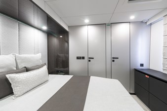 OCEAN VIBES 10 Master Stateroom