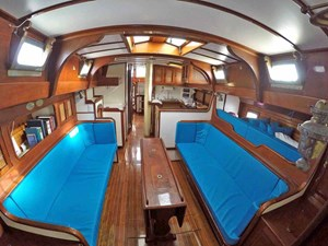 NARWHAL 5 Salon, Looking Aft