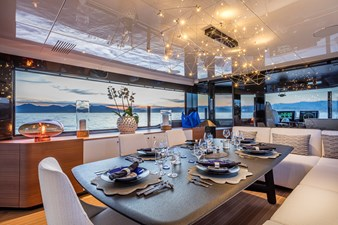 Arcadia_A105_04_ 31.57m_105ft_2022_INTERNAL-DINING-AREA-IN-THE-SKYLOUNGE