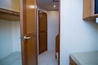 Cash Flow 35 Guest Cabin-Port