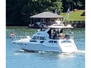 Cruisers Yachts 3950 270772