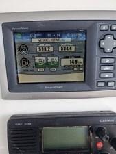 Boston Whaler 320 Outrage- Cockpit