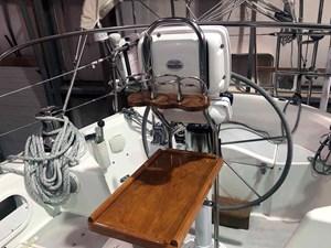 SQUANDO 39 Cockpit Table