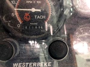 SQUANDO 49 Engine Hours