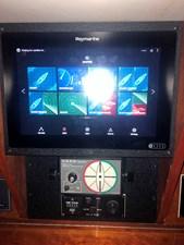 SQUANDO 15 Raymarine AXIOM at Nav Station