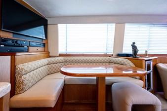 53_ocean_yacht_bridgeview_dinette2