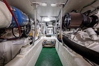 53_ocean_yacht_bridgeview_engine_room1