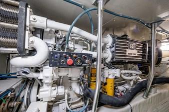 53_ocean_yacht_bridgeview_engine_room6