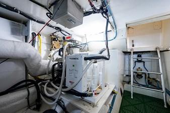 53_ocean_yacht_bridgeview_engine_room8