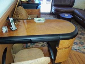 OHANA 48 Starboard Side Desk