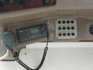 2003 Regal 2860 Commodore 18