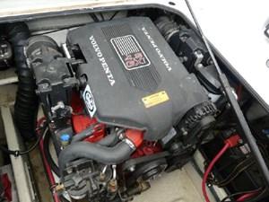 2003 Regal 2860 Commodore 27