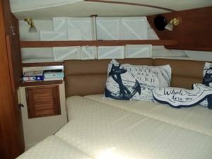 POUR HOUSE 19 Forward Cabin Portside