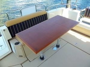 POUR HOUSE 40 Aft Deck Table
