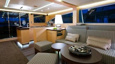 yacht-ipharra-201801-interior-01