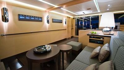 yacht-ipharra-201801-interior-02