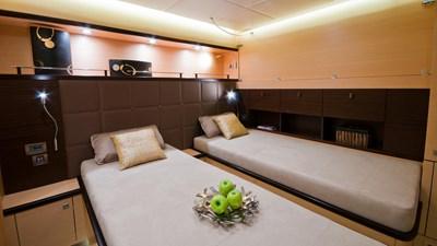 yacht-ipharra-201801-interior-09
