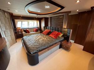 Sunseeker 30m Yacht 19 VIP Suite