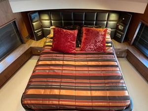Sunseeker 30m Yacht 15 Master Bed