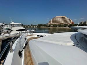 Sunseeker 30m Yacht 23