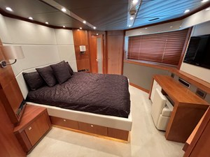 Sunseeker 115 Sport 37 VIP Suite Stbd
