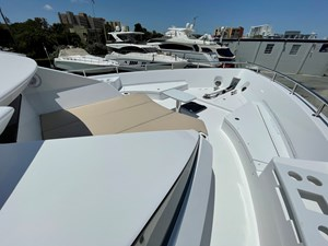 EPIC 7 EPIC 2017 HATTERAS M75 Motor Yacht Yacht MLS #270943 7