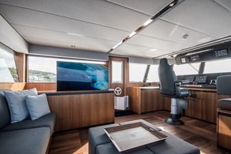 YXT 24 Evolution Plus - Support Vessel 5 YXT24 Wheelhouse
