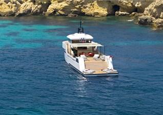 YXT 24 Evolution Plus - Support Vessel 10 YXT24 deck sofa shadow