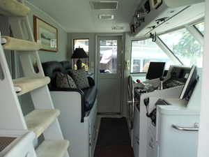 GAS PASSER 3 Pilothouse Looking to Port