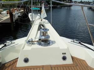 GAS PASSER 52 Windlass Detail