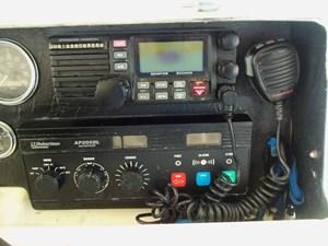 GAS PASSER 71 Helm Detail Starboard
