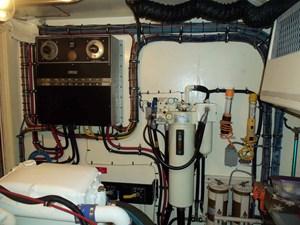 GAS PASSER 77 Starboard Engine Room Forward