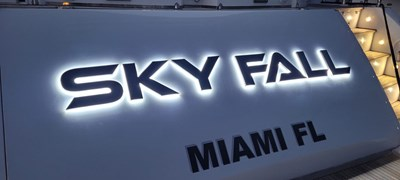 15_2008 108ft Sunseeker Predator SKY FALL