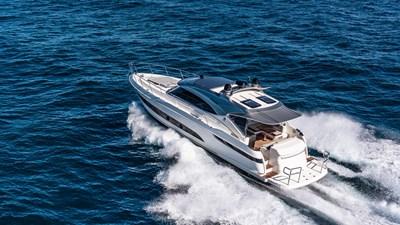 Riviera-4800-Sport-Yacht-Series-II-Platinum-Edition-Running-08