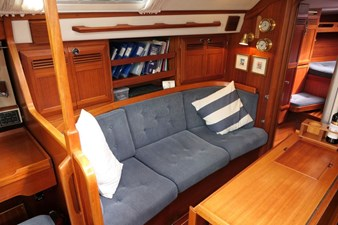 sweden-yachts-390-13
