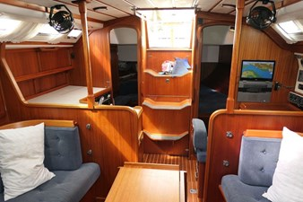 sweden-yachts-390-14