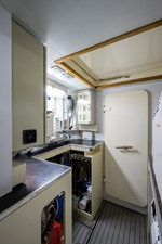 87_ferretti_mechanical_room