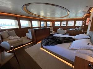 SEVEN SEAS 8 016 Master Bed