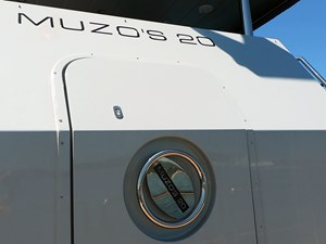 MUZO'S 20 32 GOPR0292
