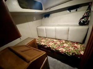 1990 Bayliner 4588 Motoryacht 13