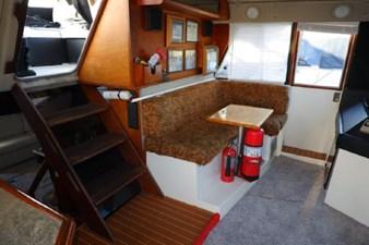 1990 Bayliner 4588 Motoryacht 17
