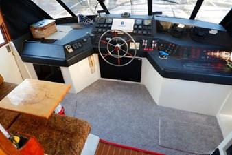 1990 Bayliner 4588 Motoryacht 18