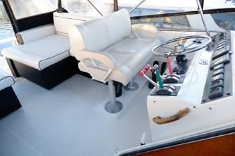 1990 Bayliner 4588 Motoryacht 22
