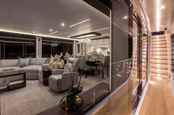 GG 7 Salon Side Deck