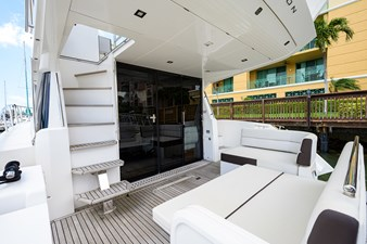 420 Fly 28 42_galeon_queen_of_the_nile_III_aft_deck_5