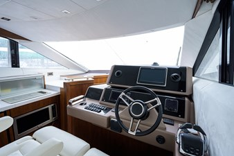 420 Fly 45 42_galeon_queen_of_the_nile_III_helm_5